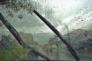 Как доехать до сервиса, если внезапно в дождь сломались дворники