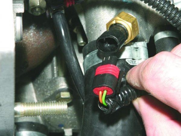 Датчик температуры инжекторного двигателя ВАЗ 2107