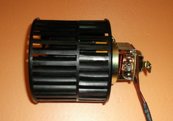 Моторчик вентилятора печки ВАЗ 2107