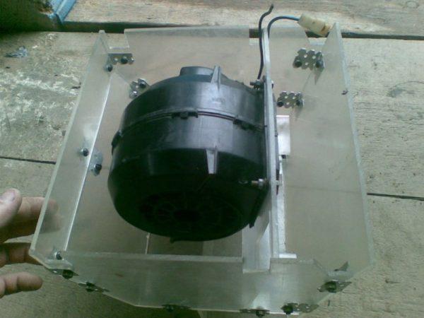 Электродвигатель вентилятора в новом корпусе