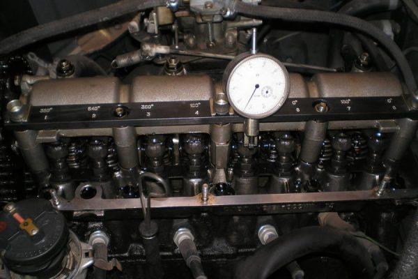 Микрометр для регулировки теплового зазора клапанов ВАЗ 2106