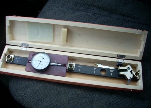 Микрометр для регулировки зазоров клапанов ВАЗ 2106