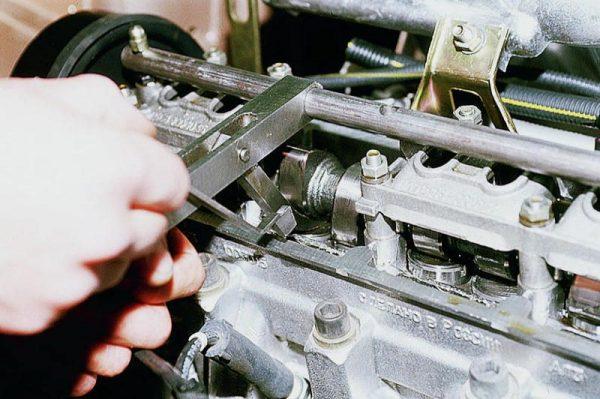 Регулировка клапанов выпуска отработанных газов ВАЗ 2106