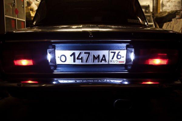Фонари подсветки номерного знака