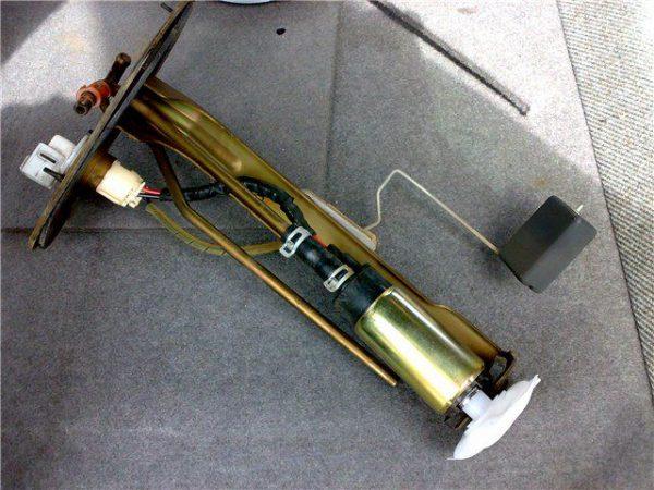 Модуль бензонасоса ВАЗ 2107 инжектор