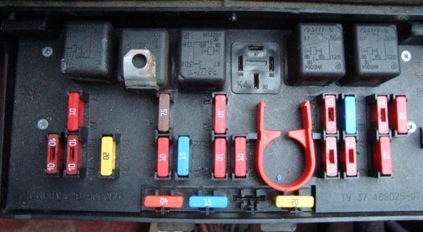 Монтажный блок ВАЗ 2107 нового образца