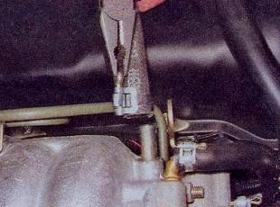 Отсоединение шлангов от ресивера