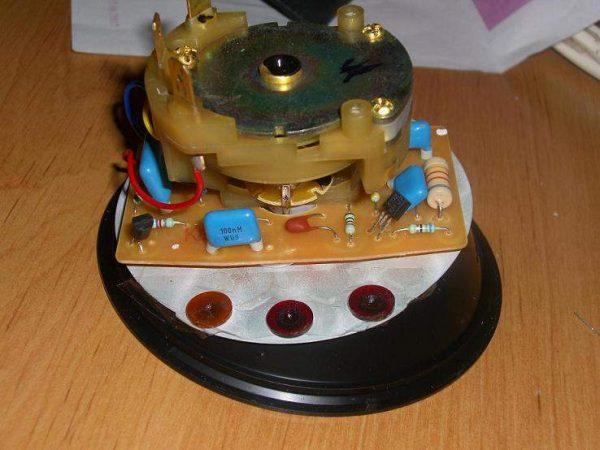 Разобранный тахометр ТХ-193