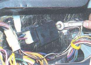 Реле поворотов ВАЗ 2106