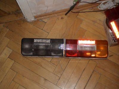 Тонированная и штатная задние фары ВАЗ 2106
