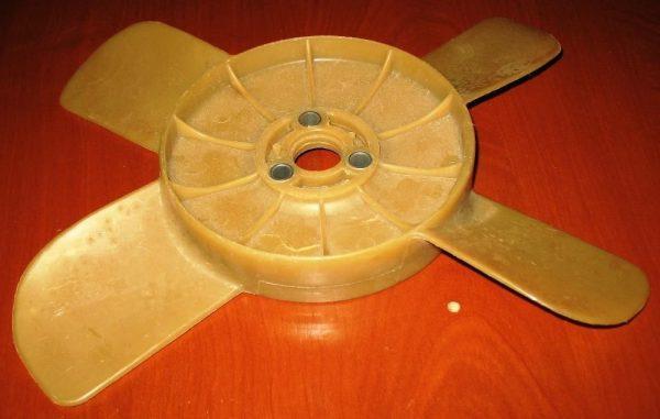 Крыльчатка вентилятора радиатора охлаждения ВАЗ 2101