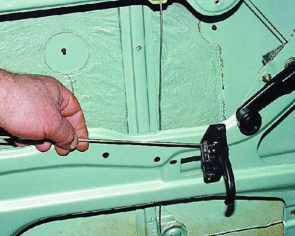 Внутренняя ручка двери