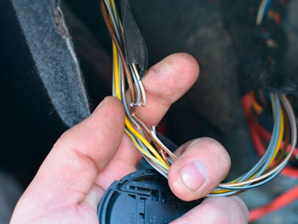 Обрыв проводки прикуривателя ВАЗ 2107