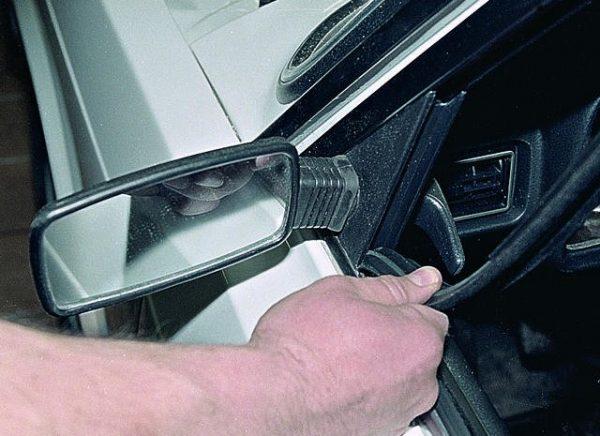 Уплотнительная резинка переднего бокового стекла ВАЗ 2107