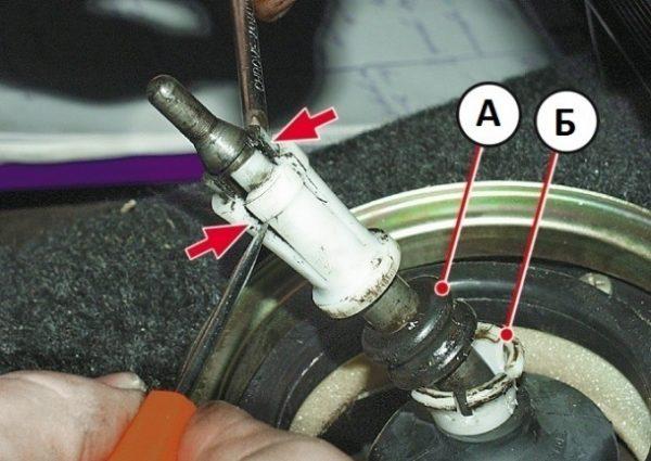 Снятие втулок рычага управления КПП