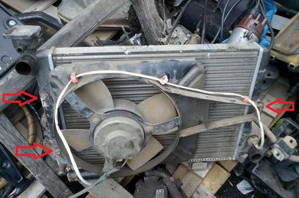 Точки крепления электровентилятора ваз 2106