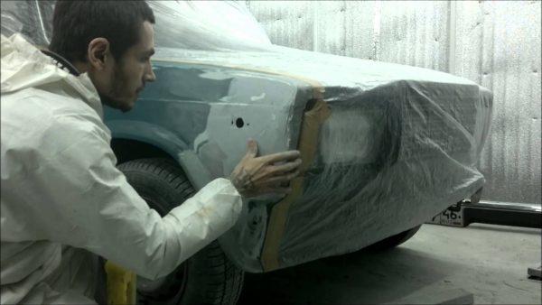 Закрытие кузовных деталей полиэтиленовой плёнкой