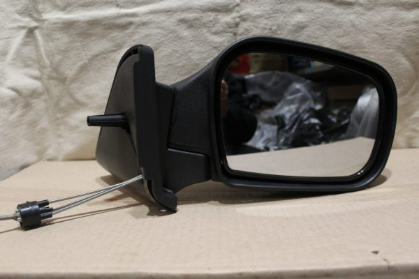 Зеркало от ВАЗ 2121 нового образца