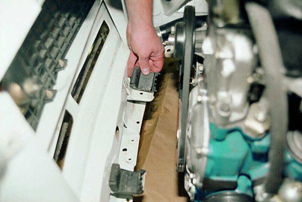 Замена подушек радиатора