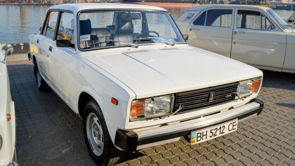 Автомобиль ВАЗ-2105