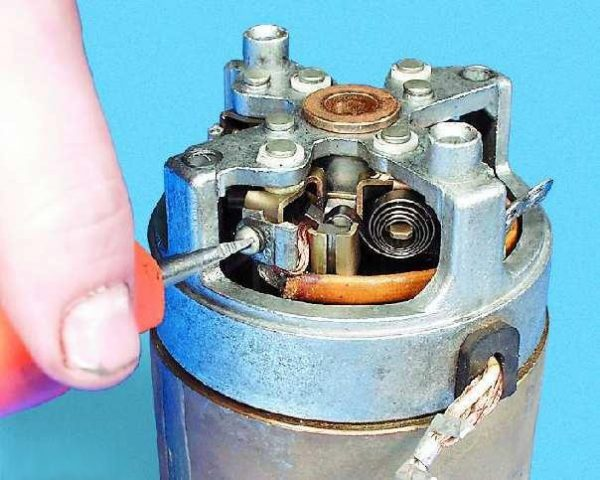 Винты крепления обмотки статора стартера ВАЗ 2107