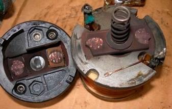 Подгоревшие контактные болты (пятаки) стартера ВАЗ 2106