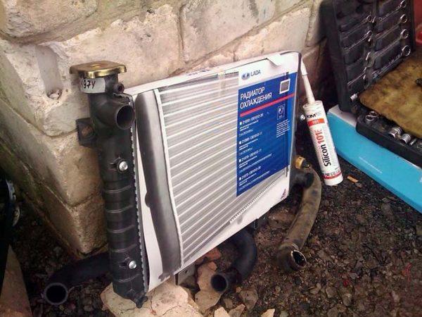 Штатный радиатор ВАЗ 2106 из алюминия