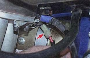 Управляющий провод стартера ВАЗ 2106