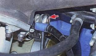 Верхнее крепление силового провода ВАЗ 2106