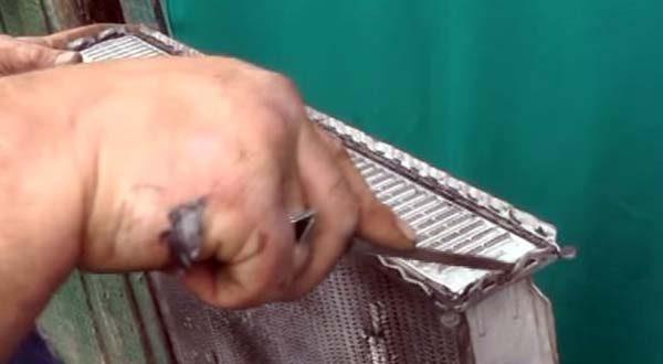 Замена прокладки на бачке радиатора ВАЗ 2106