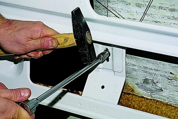 Натяжение троса стеклоподъёмника