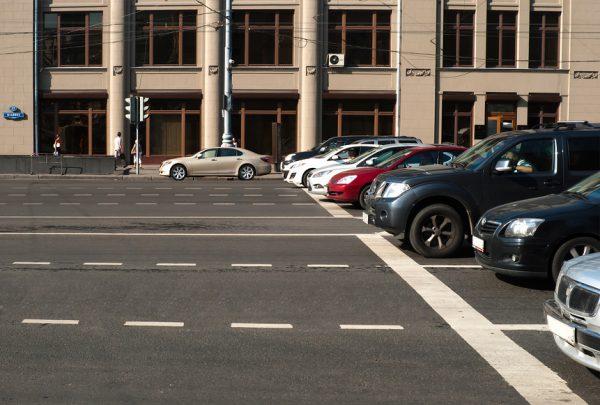 Машины перед стоп-линией