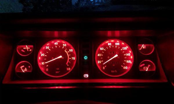 Приборная панель ВАЗ 2107 со светодиодной подсветкой