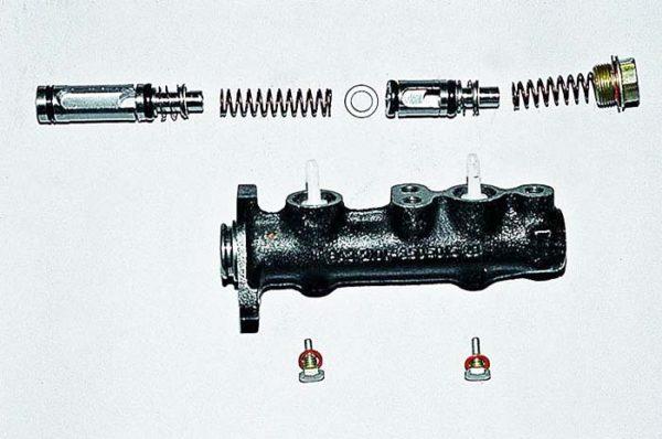 Конструкция главного тормозного цилиндра ВАЗ 2107