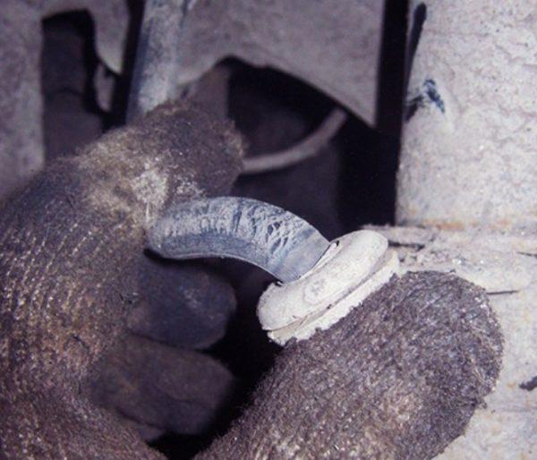 Трещины на тормозном шланге