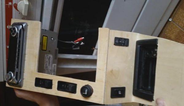 Установка кнопок на консоль ВАЗ 2107