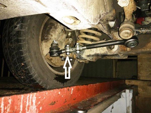 Как раскрутить хомут рулевой тяги на «Жигулях»