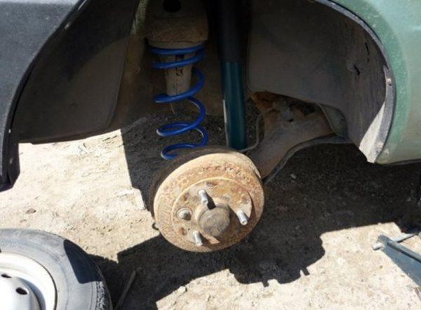 Подготовка пружины к срезанию без её снятия