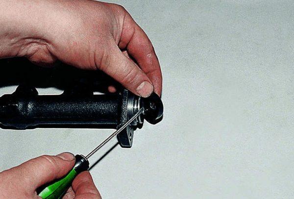 Извлечение колпачка цилиндра