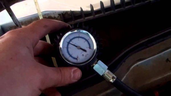 Замер давления в топливной магистрали