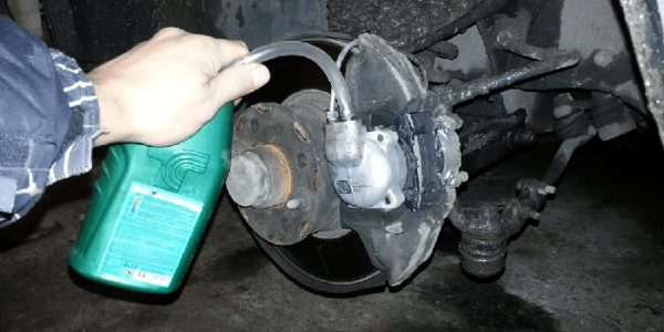 Как прокачать передний тормозной контур ВАЗ 2107