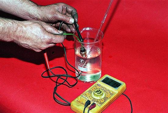 Проверка датчика температуры карбюраторной «семерки»