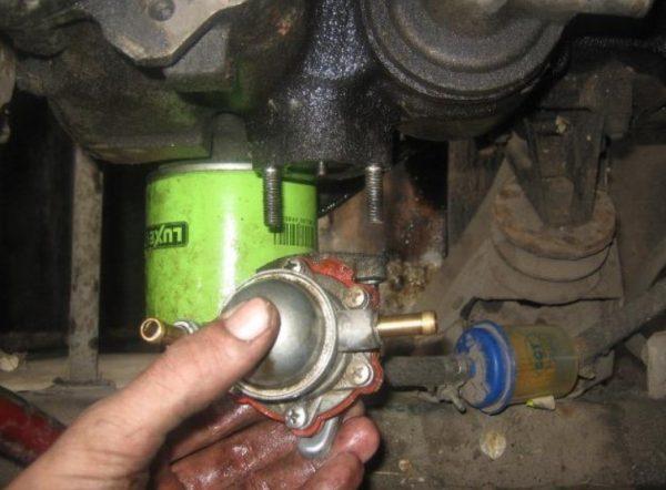 Механический бензонасос ВАЗ 2107