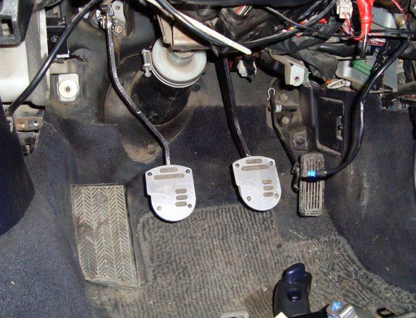 Педали управления ВАЗ 2107