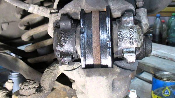 Передние дисковые тормоза