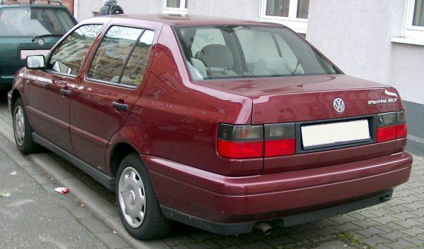 Задний бампер Volkswagen Jetta MK3