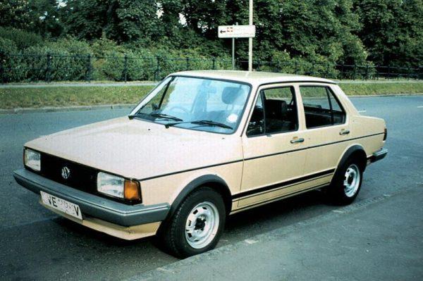 Модель Volkswagen Jetta белого цвета