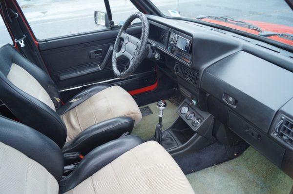 Интерьер Volkswagen Jetta второго поколения