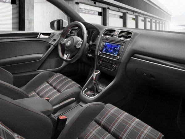 Интерьер VW Golf VII