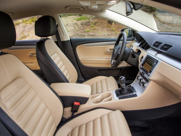 Салон обновлённого VW Passat СС